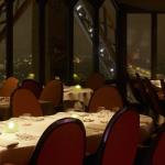 Le Jules Verne Restaurant