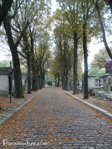 Pere Lachaise Path
