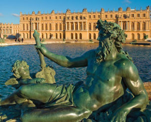 Paris Must See Tour, Eiffel Tower Lunch and Versailles Castle
